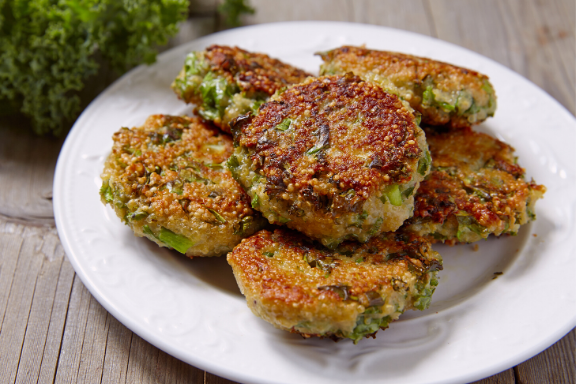 Try these crispy and healthy quinoa-kale fritters